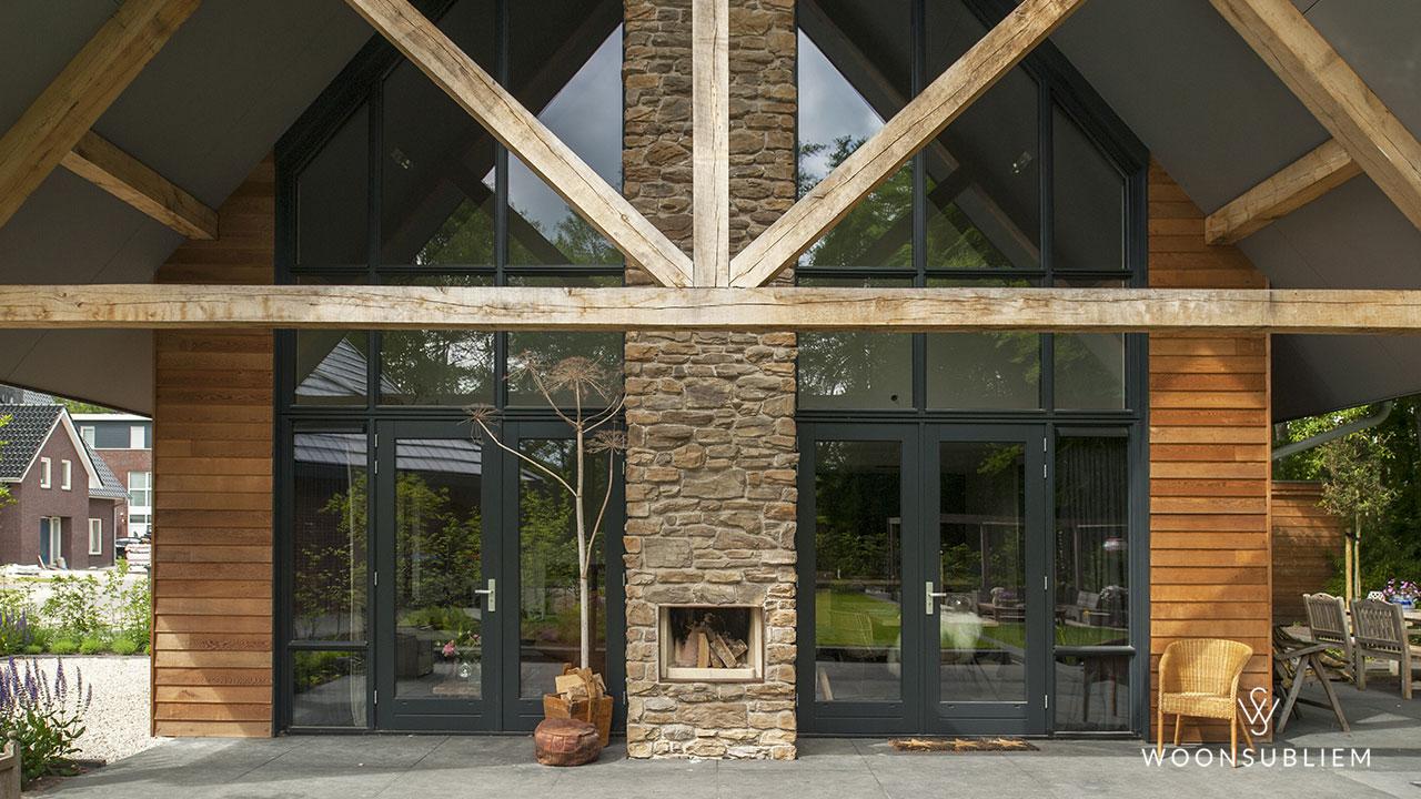 schuurwoning-assen-houten-gebint-buitenhaard-detail